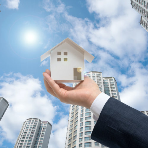 Commercial vs. Residential Real Estate Investing: An Overview Featured Image