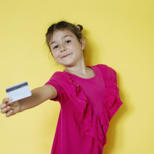 11 Best Debit Cards for Kids and Teens Featured Image